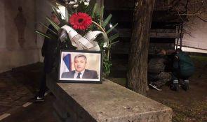 FOTO: Novosađani palili sveće u čast ubijenog Olivera Ivanovića