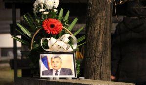 FOTO: Novosađani paljenjem sveća odali poštu ubijenom Oliveru Ivanoviću