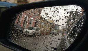 AMSS: Ledena kiša opasna za vozače