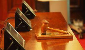 Smanjena kazna za paljenje policajca