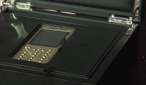VIDEO: Počela prodaja zlatnih pravoslavnih mobilnih telefona
