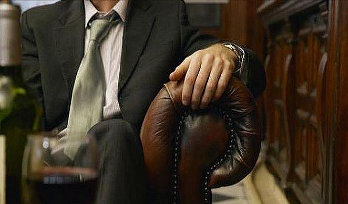 Direktori banaka smenjeni zbog prevelikih plata