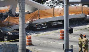 FOTO: Četvoro mrtvih prilikom pada mosta na Floridi