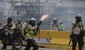 Tinejdžer poginuo tokom demonstracija u Karakasu