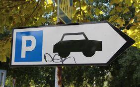 Grčka policija skida tablice sa nepropisno parkiranih vozila