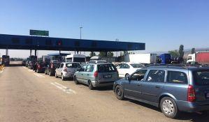 Kilometarske kolone na granici, na Batrovcima se čeka četiri sata