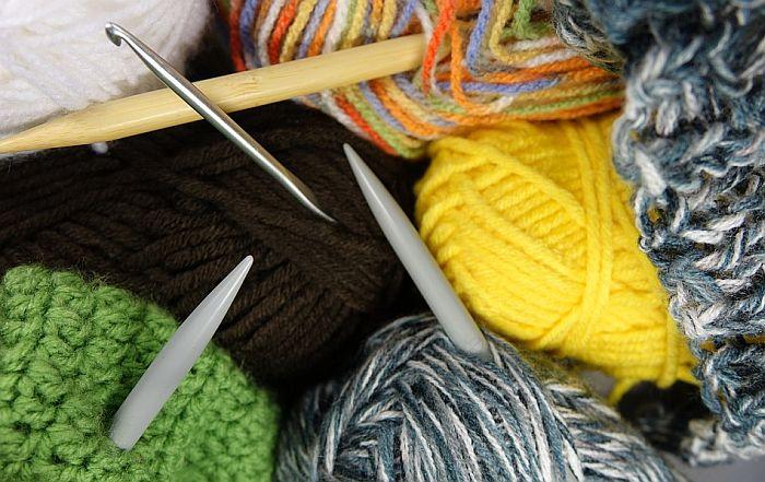 Kurs veza i pletenja od utorka u prostorijama Kola srpskih sestara