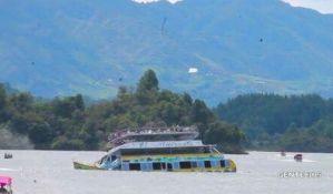 VIDEO: Potonuo brod sa 170 turista