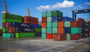 Samo 10 odsto malih firmi u Srbiji izvozi robu