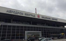 Norvežanin ugasio cigaretu ispred beogradskog aerodroma i oduzet mu pasoš