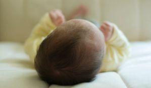 Beba koja je pala sa terase u Leskovcu u stabilnom stanju