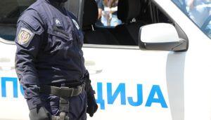 Srbobran: Oštetila automobile policajaca