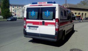 Motociklista i tinejdžerka povređeni u udesima u Novom Sadu