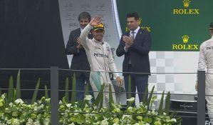 Hamilton po prvi put trijumfovao u Brazilu, Rozberg na trku do pehara