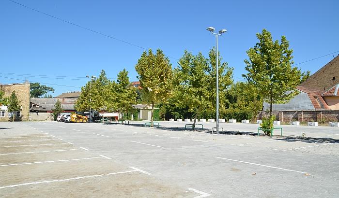 FOTO: Otvoren rekonstruisan parking iza Matice srpske