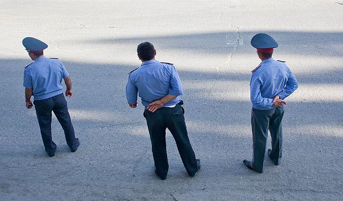 Policajci u Tadžikistanu moraju u pozorište da se kultivišu
