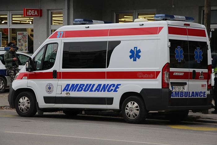 Dvoje dece povređeno u udesu na Detelinari