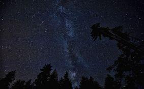 Večeras spektakularna meteorska kiša