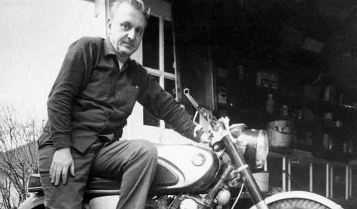 Preminuo Robert Pirsig, autor