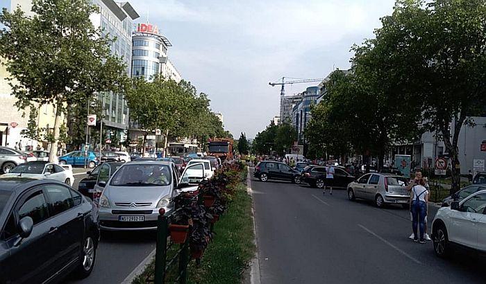 FOTO: Vozači blokirali veliki broj raskrsnica zbog cena goriva, nastavak protesta u ponedeljak