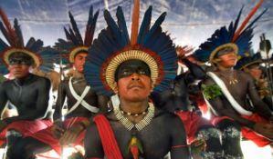 Brazilska policija suzavcem na Indijance, oni uzvratili kopljima