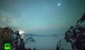 VIDEO: Neverovatna kiša meteora na nebu iznad Kine
