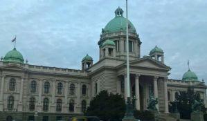 Obezbeđenje Skupštine zabranilo ulaz asistentu poslanice koja je u kolicima