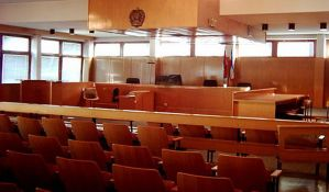 Senta: Uhapšena blagajnica suda