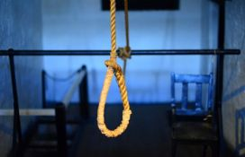 Devetorica Iranaca obešena zbog silovanja žene