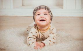 Muške bebe se smeju više nego ženske