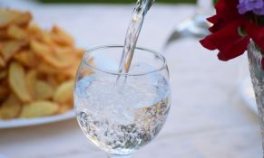 Izbegavajte da pijete previše mineralne vode