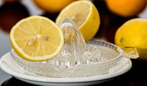 Sedam neobičnih situacija u kojima možete da koristite limun
