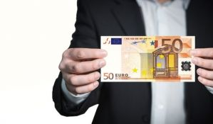 Skok evropskih berzi, ali evro u padu