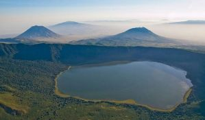 Srušio se avion s turistima u Tanzaniji, 11 žrtava