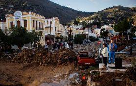Najmanje desetoro mrtvih u poplavama u Atini