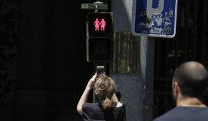 FOTO: Na semaforima u Madridu i gej parovi