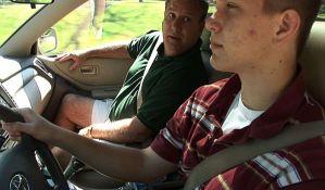 Vozače ometa svaka vrsta konverzacije