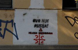 Sve više kukastih krstova na ulicama Novog Sada, česti i antiruski grafiti