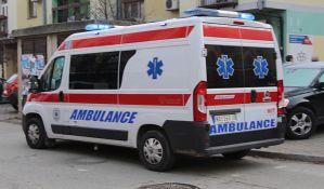 Dečak i žena na biciklima povređeni u udesima kod NIS-a i na Grbavici