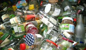 Akcija sakupljanja staklene ambalaže za vikend u Novom Sadu