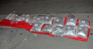 FOTO: U rezervnim gumama sakrili 32 kilograma marihuane