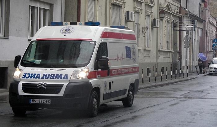 Troje povređenih udesima u Novom Sadu