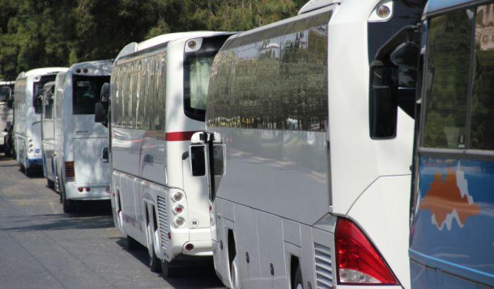 Više od 10 punih autobusa iz Srbije otišlo na miting Erdogana u Sarajevu