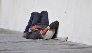 Maloletnici pretukli beskućnika u Beogradu, lekari se bore za njegov život