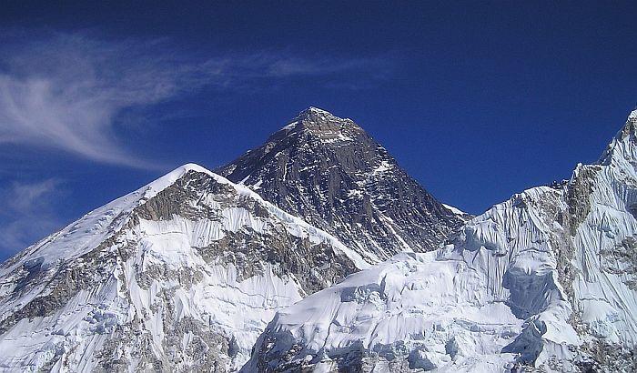 Počinje čišćenje Mont Everesta od smeća