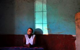 Zatvorili 14 škola zbog epidemije smeha