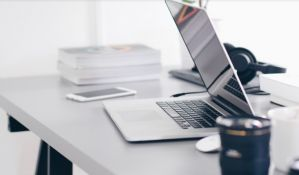 Presedan: Potrošač dobio spor i novi laptop, prodavac odbijao zamenu