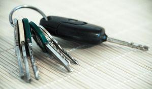 U Novom Sadu na prodaju tri državna vozila, najjeftiniji