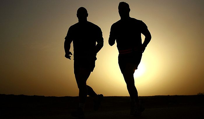 Trče sedam maratona na sedam kontinenata za sedam dana