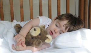 Zašto vaše dete ne može da zaspi?